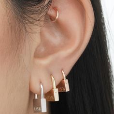These beautiful hammered Pendulum earrings are minimalist and elegant. I form these earrings from a rounded, smooth bar and solder a hammered circle at the bottom. This textur Ear Jewelry, Cute Jewelry, Jewelry Accessories, Bold Jewelry, Trendy Jewelry, Summer Jewelry, Simple Jewelry, Grunge Jewelry, Cute Ear Piercings