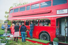 Having an alternative (bus) station for food or drinks keeps the guests entertained and moving around the place.