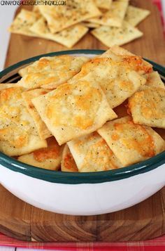 These Homemade White Cheddar Cheez-Its are healthier and tastier than the originals. You won't believe how simple it is to make you own snacks. These crispy homemade Cheez-Its are an excellent snack food. Appetizer Recipes, Snack Recipes, Appetizers, Cooking Recipes, Healthy Recipes, Cat Recipes, Cooking Videos, Delicious Recipes, Salad Recipes