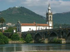 Ponte de Lima, Portugal Travel Guide Visit this unspoiled gem in the Alto Minho region of Portugal - By James Martin | Europe Travel Expert  October 2014   ponte de lima picture - James Martin, Europe Travel