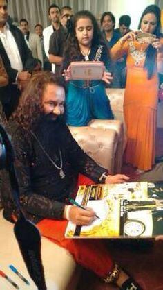 Saint Gurmeet Ram Rahim and Charnpreet Insan during success party.