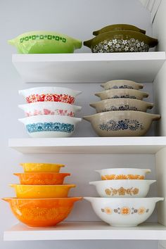 a lovely collection of vintage pyrex.