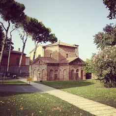 Mausoleo di Galla Placidia #Ravenna - Instagram by @Living Ravenna