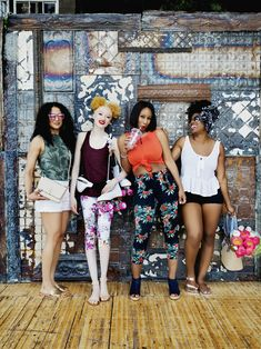 Excuse us – we need a moment to recover from these LOOKS! Toronto Shay and her friends clearly know how summer is done. Shop For Less, People Photography, How To Look Pretty, Blouse Designs, Girl Hairstyles, Toddler Girl, Fashion Online, Cool Photos, Poses