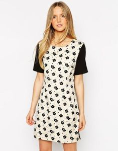 Image 1 of Jovonna Cassidy Shift Dress in Daisy Print Daisy Dress, Models, Dresses For Sale, Kids Fashion, Girl Outfits, Women Wear, Short Sleeve Dresses, Casual, How To Wear