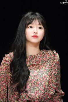 """트위터의 Age of Miracles 님: """"180311 . [©OMG_viva] . #yooa #OHMYGIRL #유아 #오마이걸… """" Kpop Girl Groups, Korean Girl Groups, Kpop Girls, Oh My Girl Yooa, K Idol, Sweet Girls, South Korean Girls, Supergirl, Most Beautiful Women"""