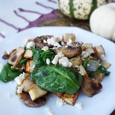 Easy Gorgonzola Tofu Scramble Recipe | Allrecipes Tofu Recipes, Vegetarian Recipes, Healthy Recipes, Brunch Recipes, Breakfast Recipes, Vegan Breakfast, Scrambled Tofu Recipe, Tofu Scramble, Tofu Dishes