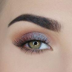 20 Flawless Eye Makeup Ideas For Teen Style Dramatic Eye Makeup, Makeup For Green Eyes, Natural Eye Makeup, Eye Makeup Tips, Smokey Eye Makeup, Makeup Inspo, Eyeshadow Makeup, Makeup Inspiration, Makeup Brushes