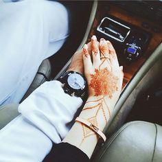 Nikah Explorer - No 1 Muslim matrimonial site for Single Muslim, a matrimonial site trusted by millions of Muslims worldwide. Couple Pics For Dp, Cute Love Couple, Cute Couple Pictures, Beautiful Couple, Beautiful Hands, Couple Dps, Couple Goals, Couple Posing, Couple Shoot