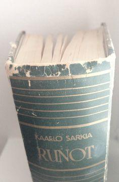 Complete poems of Kaarlo Sarkia.