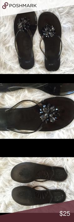 🆕 jcrew embellished statement sandals So cute!!! Great preloved condition.👺NO TRADES DONT ASK! ✌🏼️Transactions through posh only!  😻 friendly home 💃🏼 if you ask a question about an item, please be ready to purchase (serious buyers only) ❤️Color may vary in person! 💗⭐️Bundles of 5+ LISTINGS are 5️⃣0️⃣% off! ⭐️buyer pays extra shipping if likely to be over 5 lbs 🙋thanks for looking! J. Crew Shoes Sandals
