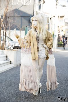 """tokyo-fashion: """"Japanese shironuri artist Minori on the street in Harajuku wearing handmade and vintage fashion including a gold kimono jacket, tassel necklace, and corset. Full Look """" Japanese Street Fashion, Tokyo Fashion, Harajuku Fashion, Asian Fashion, Girl Fashion, Fashion Outfits, Fashion 2015, Cute Costumes, Girl Costumes"""