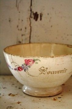 French breakfast bowl ~ a sip of café au lait warms you on a cold winter morn. Vintage Dishes, Vintage China, Vintage Love, French Vintage, Antique Dishes, Vintage Bowls, Vintage Heart, Wabi Sabi, Shabby Chic