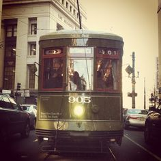 Streetcar in New Orleans | photo © Shannon Beck 2013
