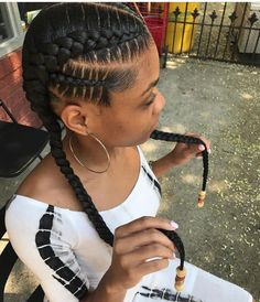 Protective Styles For Bizzle Fo-Shizzle Braided hairstyles make room for creativity. There are many interesting braiding techniques to make each head unique.Therefore you can choose this Af… Natural Braided Hairstyles, Braided Ponytail Hairstyles, Box Braids Hairstyles, Simple Hairstyles, Goddess Braid Ponytail, Goddess Braids, Curly Hair Styles, Natural Hair Styles, Pelo Afro