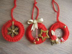 Diy Christmas Gifts, Handmade Christmas, Christmas Tree Decorations, Christmas Ornaments, Christmas Tree Trimming, Painted Pinecones, Crochet Symbols, Felt Garland, Christmas Crochet Patterns