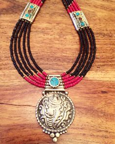 $60  Moroccan boho necklace   To order send payment securely by PayPal to  Sales@aprilstardavis.com  Shipping to USA UK $4    #berberjewelry  #moroccanjewelry #marrakech #morocco #aprilstardavis #berbernecklace #moroccannecklace #bohojewelry #authenticmoroccanjewelry #shopsmall #fashiontjatgivesback #bohostyle #berberring #boudin #bohorings