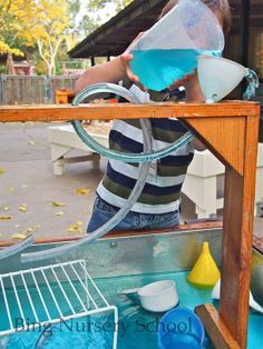 The art and science of Water play. Twists and turns. Funnels and cups. Pouring and pouring again. Lots of time to play, explore and experiment -The Bing Institute at Bing Nursery School, Stanford University ≈≈ Sensory Tubs, Sensory Play, Sensory Motor, Outdoor School, Outdoor Classroom, Classroom Decor, Home Daycare, Preschool At Home, Natural Playground