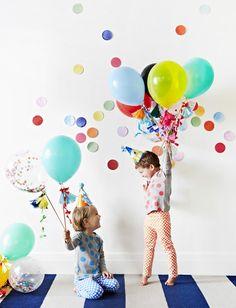 Organiza una fiesta con todos sus amigos, le encantará verlos y divertirse con ellos más allá de las clases.
