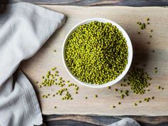 High in nutrients and antioxidants, mung beans are not only delicious but also incredibly healthy. Here are 10 health benefits of mung beans. Beans Benefits, Health Benefits, Indoor Grow Kits, Bean Seeds, Mung Bean, Aquafaba, Super Greens, Backpacking Food, Cooking Ingredients