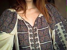 Ukraine, from Iryna with love. 'Bohemian Like You' Ethno Style, Bohemian Style, Boho Chic, Folk Fashion, Ethnic Fashion, Quoi Porter, Folk Embroidery, Embroidery Fashion, Folk Costume