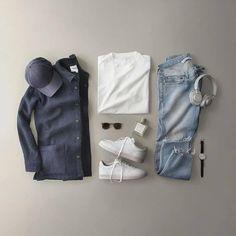 Men Fashion Show, Mens Fashion, Flannel Outfits, Fashion Network, Outfit Grid, Fashion Updates, Men's Collection, Fashion Stylist, A Good Man