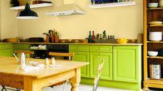 Küchenfronten in grün lackiert bringt frischen Wind in die Küche
