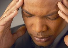 PURIFICACION DE AIRE AIRLIFE te pregunta ¿Cuáles son los síntomas que presenta un paciente con síndrome de edificio enfermo? El tipo de malestares que producen y estimulan estas situaciones es variado: jaquecas, náuseas, mareos, resfriados persistentes, irritaciones de las vías respiratorias, piel y ojos.  Entre estos malestares, las alergias ocupan un papel importante.