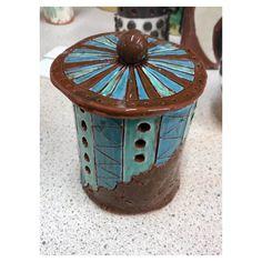 Pot - earthenware clay  Project : contrast  Instagram : @Jade_king_art