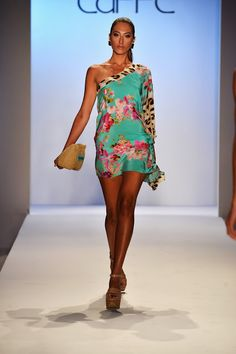 MBFWS 2014: Caffé Swimwear presents Spring/Summer 2014 collection