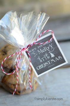 free christmas chalkboard gift tags   simplykierste.com chalkboards, christma chalkboard, chalkboard tags printable, free christma, chalkboard gift tags, christmas, cookies, tag printabl, gift idea
