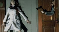 Horror Movie - Fashion photographer Steven Meisel is behind the aptly named 'Horror Movie' editorial for Vogue Italia. This slasher flick-inspired ser. Steven Meisel, Scream, Creepy Photos, Haunting Photos, Templer, Vogue Korea, Photo Series, Models, Vogue Magazine