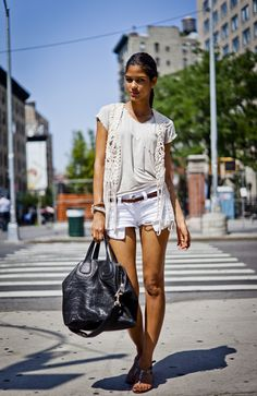 How to rock a tshirt and shorts
