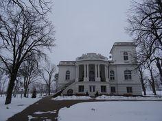 Palatul bancherului Popp din Padea, închinat soţiei sale, Relly, comuna Drănic