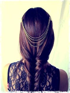 Delicate chains in hair and loose braid. Lovely medieval look.