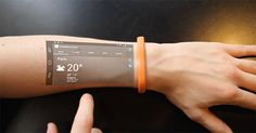 Compartir con: Estos inventos tecnológicos dejan impresionado a cualquiera. Es cierto que la tecnología avanza a pasos agigantados pero lo que veremos aca es realmente impresionante, desde roseadores ante ladrones bluetooth, pulseras que son móviles a la vez, mochilas-patinetas a control remoto, máscaras-audifonos virtuales,  plantillas inteligentes y otros. Esperamos les guste este nuevo video …