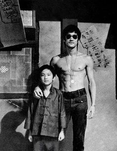 The real very Wise Dragon Bruce Lee with his son Brandon Lee both dead