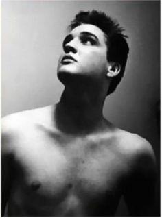 Elvis Presley, love this photo of him!