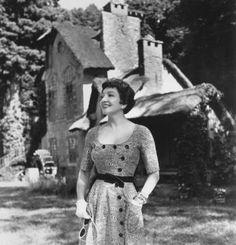 Claudette Colbert, 1952