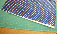 Easy DIY tutorial for binding a quilt. How to finish and bind a quilt. Quilting For Beginners, Quilting Tips, Quilting Tutorials, Hand Quilting, Machine Quilting, Quilting Projects, Quilt Binding Tutorial, Tie Quilt, Scrappy Quilts