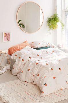 Slide View: 2: Peaches Duvet Cover