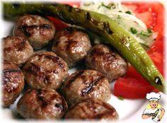 CIZBIZ KÖFTE - lezzetler.com Yemek Tarifleri Turkish Recipes, Greek Recipes, Healthy Eating Tips, Healthy Nutrition, Barbecued Sausages, Kebab Recipes, Vegetable Drinks, Food Facts, Best Appetizers