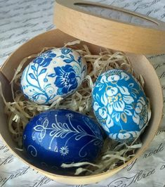 From Easter favours to painted eggs, with daffodils and pastel styling galore here are 5 Creative Styling Ideas For Your Spring Easter Wedding Creative Wedding Blogs, Wedding Inspiration and Ideas by Magpie Wedding #magpiewedding Spring Wedding, Wedding Blog, Easter Wedding Ideas, Ceramic Flowers, Daffodils, Crochet Toys, Easter Eggs, Favors, Wedding Inspiration