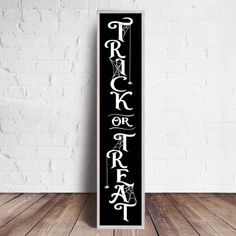 Trick or Treat Spiderweb Halloween vertical SVG file for long front door wood sign - SoFontsy - Commercial Use halloween signs Halloween Wood Signs, Halloween Porch, Holidays Halloween, Halloween Crafts, Halloween Decorations, Halloween Chalkboard, Rustic Halloween, Homemade Halloween, Halloween Games