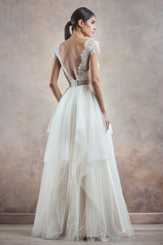 8cf4dd7a751 20 meilleures images du tableau Robes de mariée dos nu