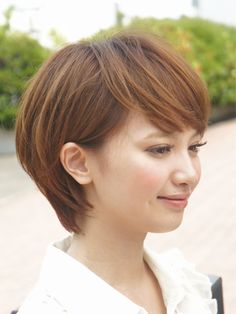 女性らしさが光るショートヘア