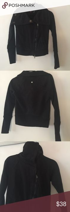 Zella jacket black size XS. I love Zella , is one of my favorite brands from Nordstrom high quality, affordable and super cute designs. This jacket is in Good used condition, still plenty of life left , no stains or rips. Thanks for looking. Have a nice Day. Sorry no trades or modeling. Zella Jackets & Coats