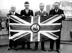 1933 _ The delegation for the secession of Western Australia in London with the flag of their proposed new Dominion of Western Australia which would remain loyal to the British Crown.