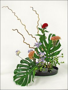 international flower arranging | Interestingly, it is said that Ikebana went to Japan from India via ...