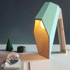 Lampe à poser LED en bois hauteur 44cm Woodspot Vert Pastel